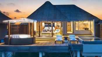 Fabulous Lagoon Oasis