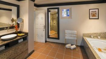 One Bedroom Beit Al Bahar Royal Villa