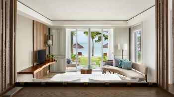 Junior Suite Frangipani Club Beach Access