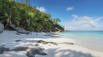 lemuria-seychelles-2016-ab-beach-panorama-04 (Copy)