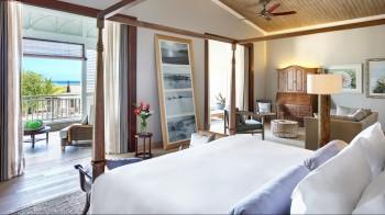 Ocean View Manor House Suite