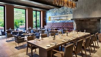 The Vale de Abraão Restaurant - Dining Room