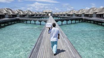 Overwater Villa mit privatem Pool