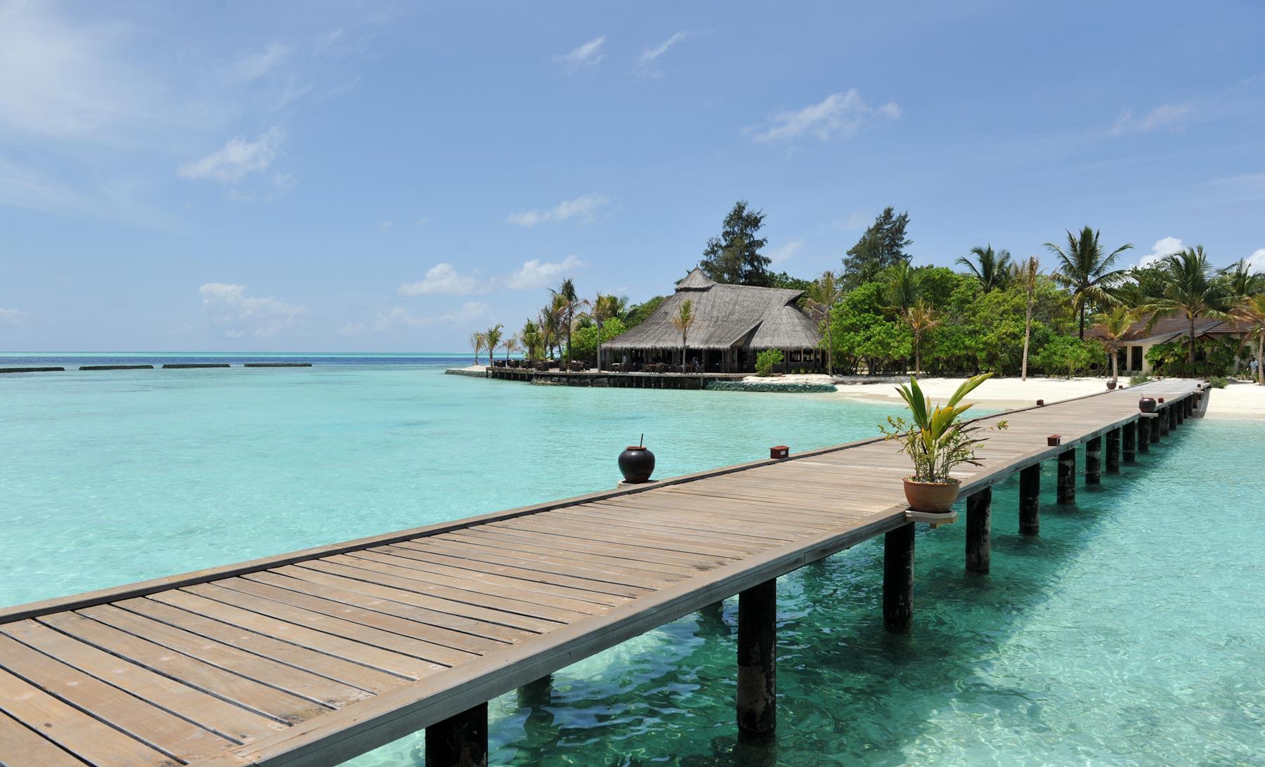 Komandoo Maldives Island Resort Jacuzzi Water Villa