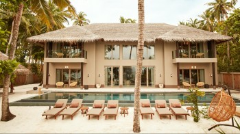 Four Bedroom Beach Residence mit Pool