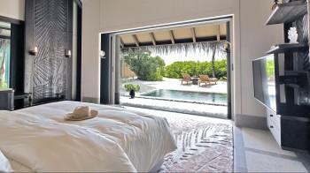 Luxury Beach Villa mit Pool