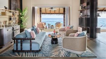 Luxury Water Villa mit Pool